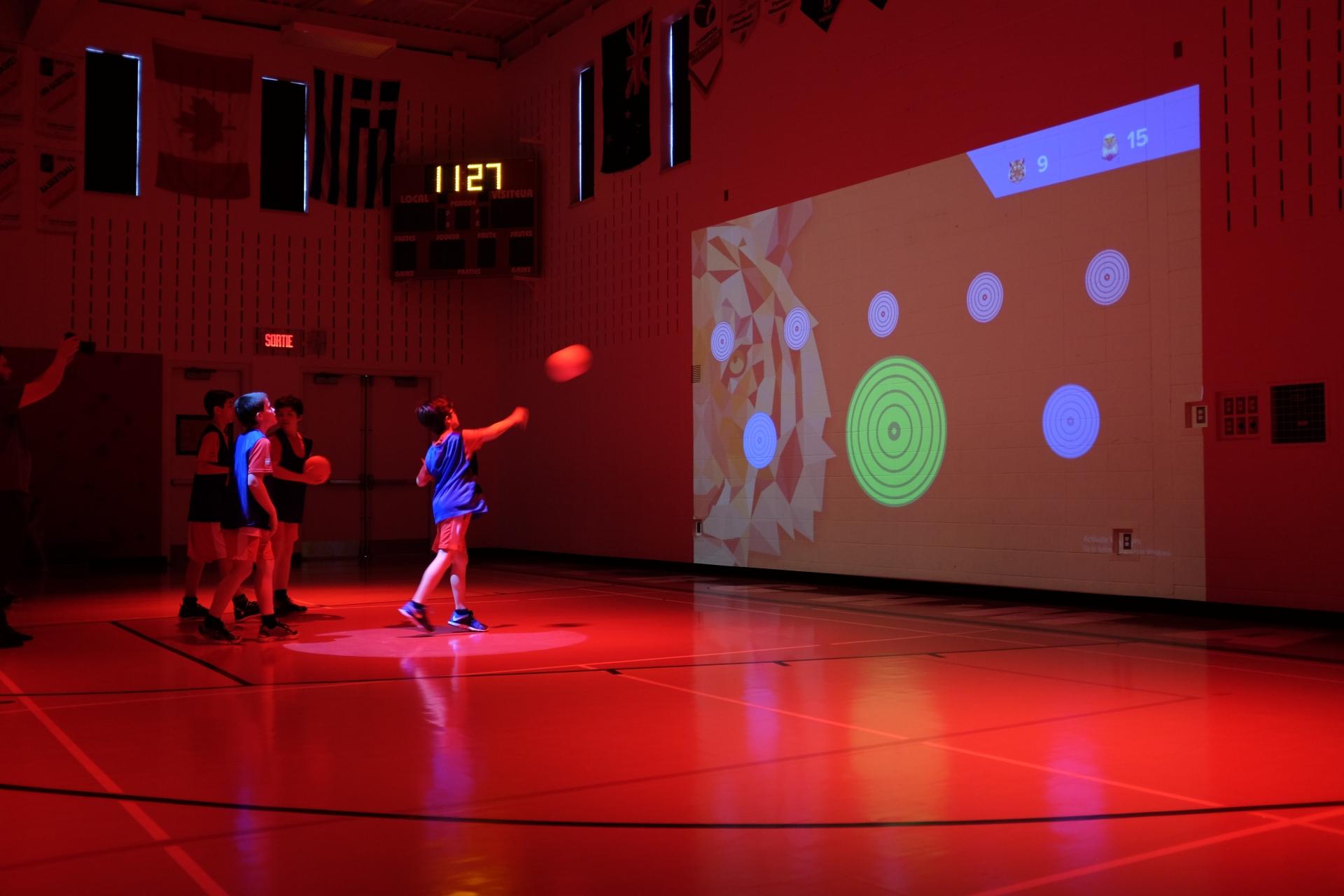 equipementier sportif systeme interactif lu enfants et ballon cible virtuelle
