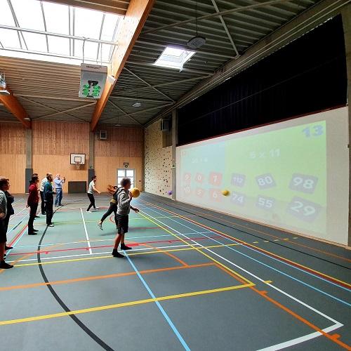 Sportvloer en sportuitrustingen en Lü ÜNO